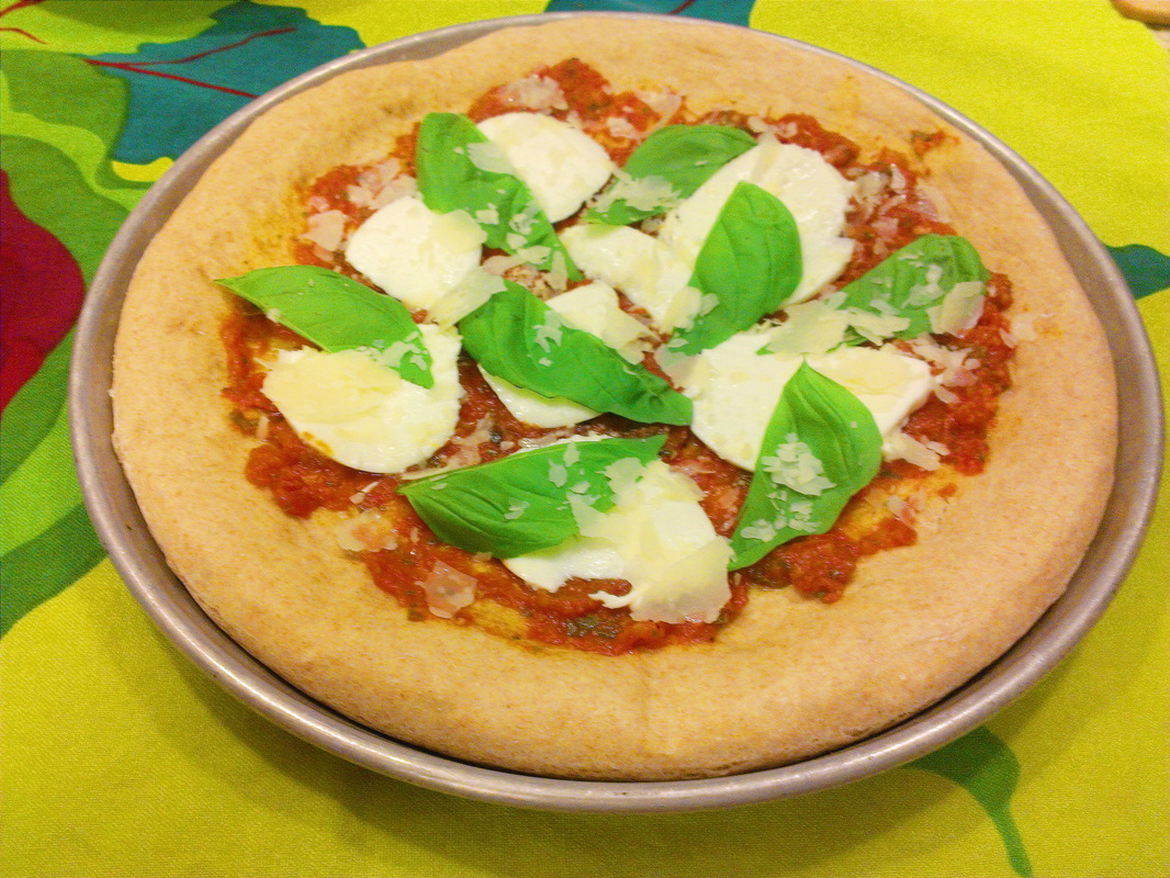 Margarita Pizza. Recipe on Creating a Curated Life.